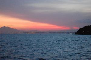 vista da barca, saindo de Paquetá, 24 de novembro de 2007