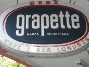letreiro do Grapette do Café e Bar Londres, na rua São Francisco Xavier esquina com General Canabarro, Tijuca, Rio de Janeiro