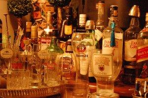 tente descobrir o que é que não se encontra em qualquer bar por aí!!!!!