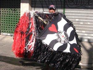 vendedor de pipa na rua do Matoso, na Tijuca, foto de Eduardo Goldenberg