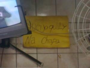 cartaz anunciando queijo coalho em um buteco na rua Alcindo Guanabara, Cinelândia, centro do Rio de Janeiro, foto de Eduardo Goldenberg, direção de Leo Boechat, 12 de agosto de 2009