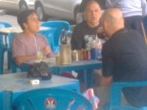 Felipe Quintans, Espanhol e Luiz Antonio Simas, foto de paparazzo contratado