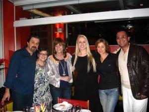 Cora Rónai com Gloria Perez no restaurante de Roberta Sudbrack